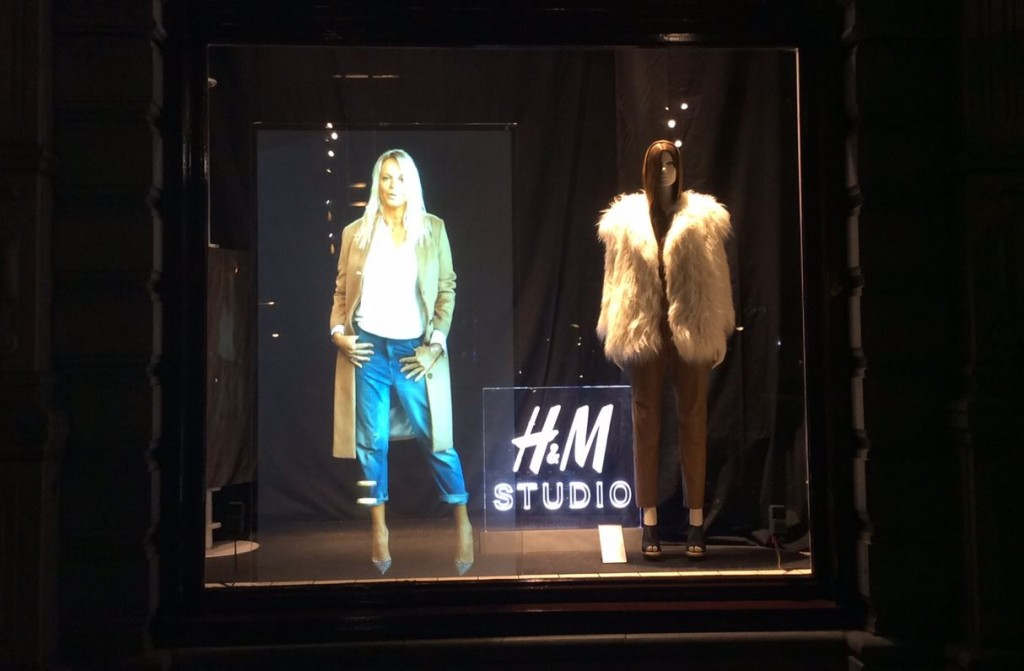 H&M Studio, Iretail.solutions and Feonic Speakers creating a high impact window display
