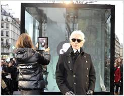 Calvin Klein Interactive Advertising Cube in Paris